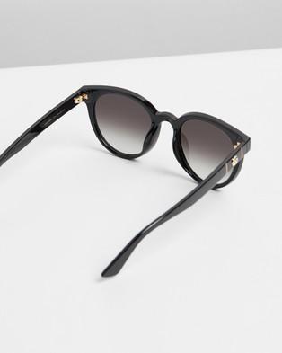 Gucci GG0638SK001 - Sunglasses (Black)