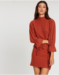 Boohoo - Funnel Neck Tie Sleeve Detail Shift Dress