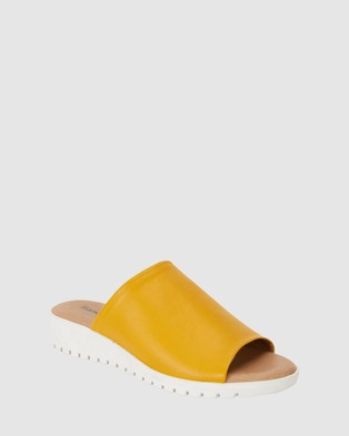 Sandler Fate - Wedges (Mustard)
