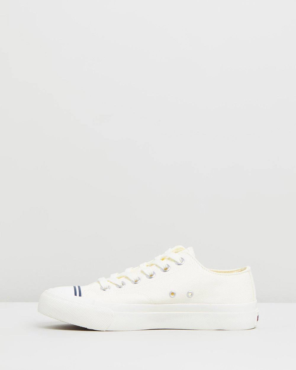 255bfb344f19e Royal Lo Classic - unisex by Pro-Keds Online