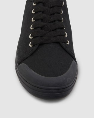 Ravella Ventura - Slip-On Sneakers (BLACK)