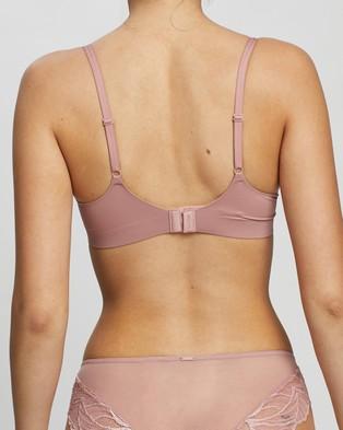 Calvin Klein Liquid Touch Push Up Plunge Bra - Underwire Bras (Alluring Blush)