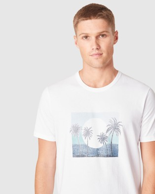 French Connection Vintage Palms T Shirt - T-Shirts & Singlets (WHITE)
