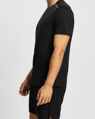 2XU GHST SS Tee - Short Sleeve T-Shirts (Black & Gold Reflective)
