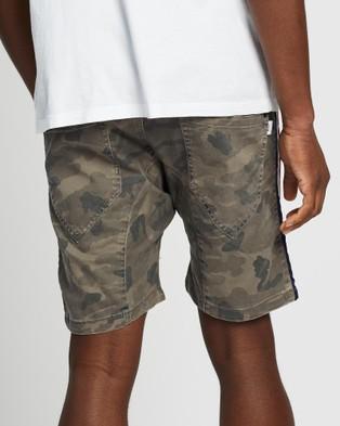 Nena & Pasadena Sergeant Shorts - Shorts (Airwolf Camo)