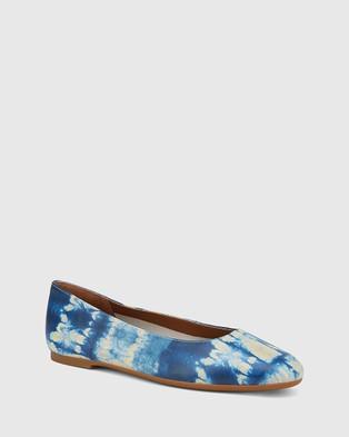 Wittner Artie Tie Dye Leather Round Toe Flats Blue