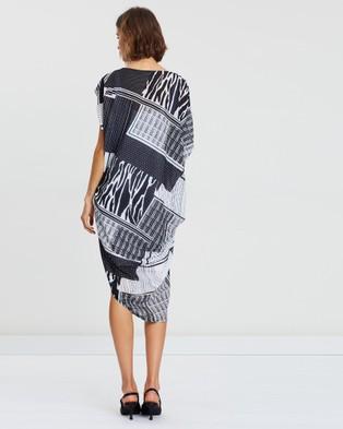 Faye Black Label Drape Tuck Two Piece Dress - Printed Dresses (Mono Mayhem)
