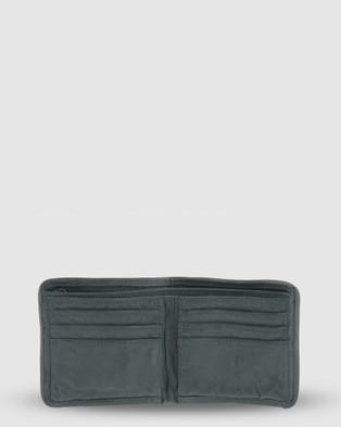 Cobb & Co Latrobe Wash Leather Mens Wallet - Wallets (Forest)