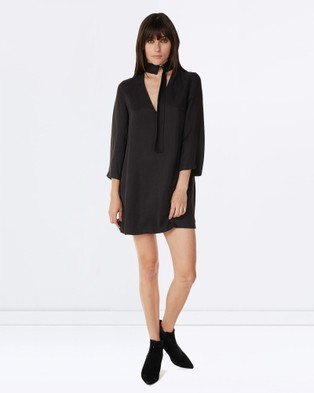 Third Form – Come Closer Shift Dress – Dresses (Black)
