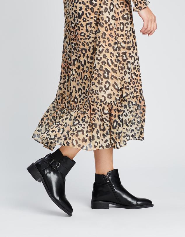 Women Kobe Ankle Boots