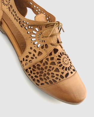 Airflex Dashed Laser Cut Leather Flats - Flats (Tan)