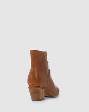 Eos - Attica Boots (Brown)