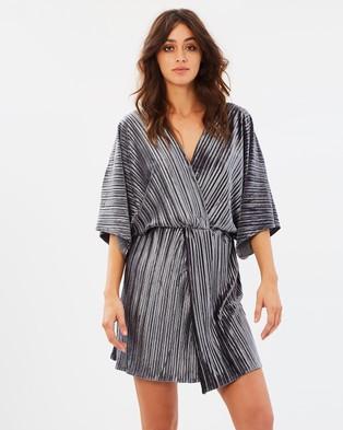 Stevie May – The Kiss Pleated Mini Dress – Dresses (Dark Grey)