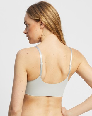 Calvin Klein Invisibles Light Lined Bralette - Crop Tops (Jet Grey)
