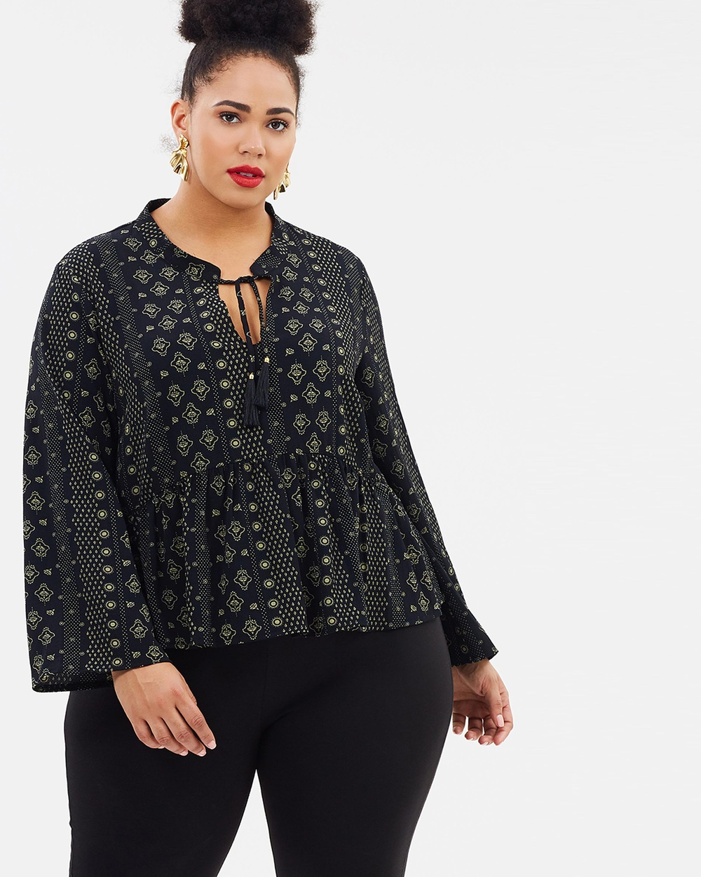 Atmos & Here Curvy ICONIC EXCLUSIVE ELISE BLOUSE Tops Black & Neutral ICONIC EXCLUSIVE ELISE BLOUSE