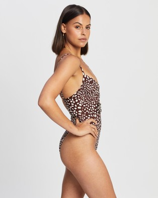 Endless - Love Club Belted One Piece One-Piece / Swimsuit (Dalmatian Spot)