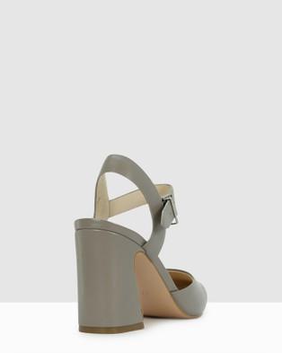 Kennedy Shep - Sandals (Grey)