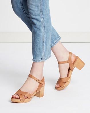 Mollini Byronbay Leather Block Heels Clogs Tan