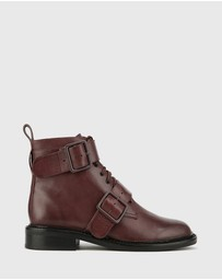 Wittner - Braiden Lace Up Flat Ankle Boots