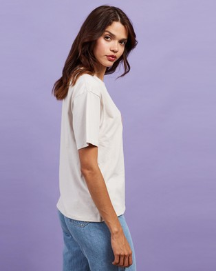 Cools Club Sunday Tee - T-Shirts & Singlets (Oyster White)