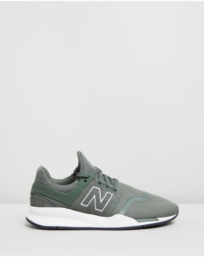 a909fe4feafc9 New Balance Classics | New Balance Classics Shoes & Clothing Online | - THE  ICONIC