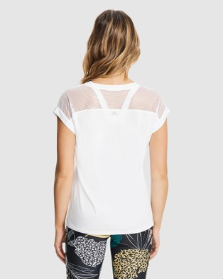 Rockwear Hustle Front Print Tee - T-Shirts & Singlets (WHITE)