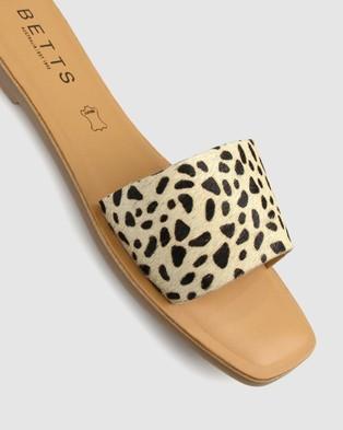 Betts Vapour Leather Slides - Casual Shoes (Leopard)