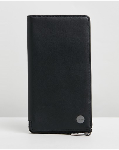 Calvin Klein - Travel Long Wallet