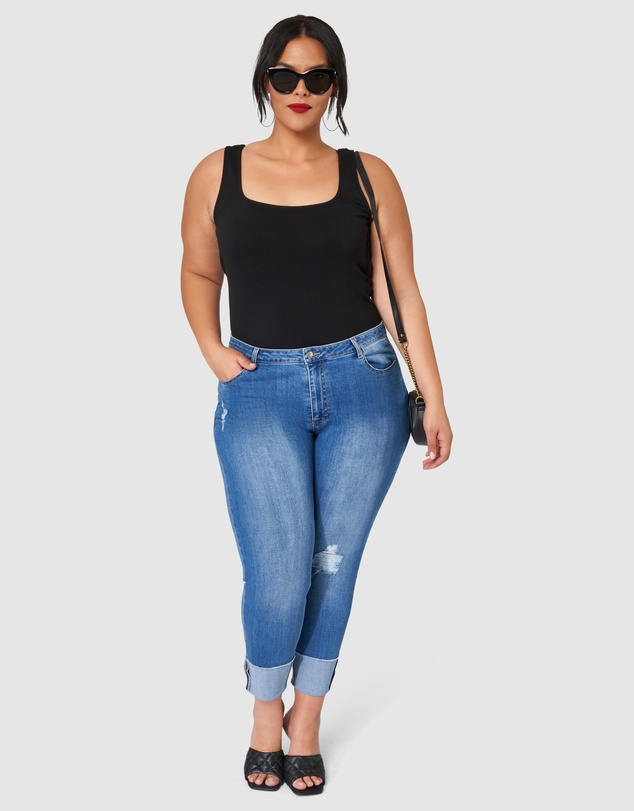 Women Pick Up Distressed Jeans