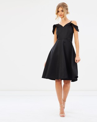 Chi Chi London – Tanya Dress – Bridesmaid Dresses Black