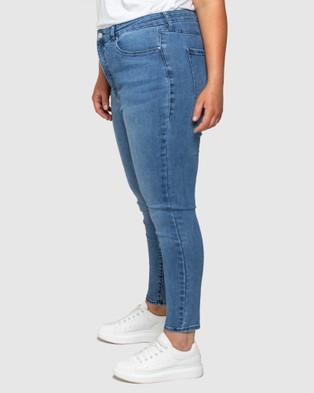 Forever New Curve Belinda Curve High Rise Ankle Grazer Jeans - Jeans (LISBON BLUE)