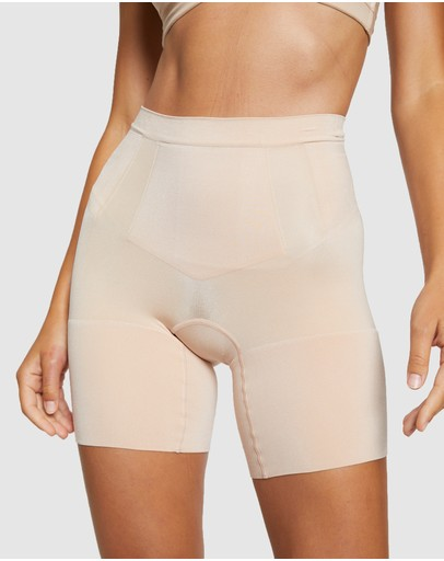 Spanx - OnCore Mid-Thigh Shorts