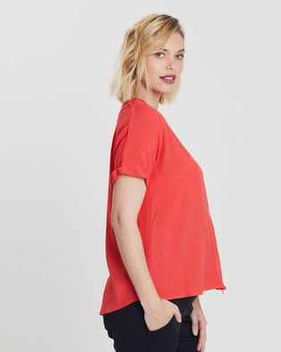 Bump Love Maternity Lucy Lace Tee - T-Shirts & Singlets (Flame)