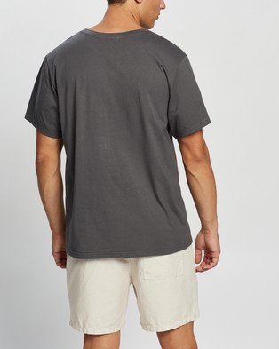 AERE Relaxed Organic Cotton Pocket Tee - T-Shirts & Singlets (Charcoal)
