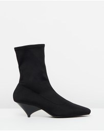 Atmos&Here - ICONIC EXCLUSIVE - Kora Sock Ankle Boots