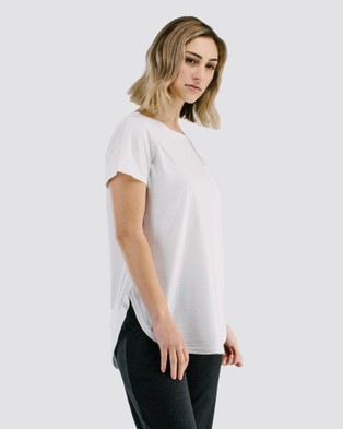 Avila - Classic long T shirt Short Sleeve T-Shirts (White) T-shirt
