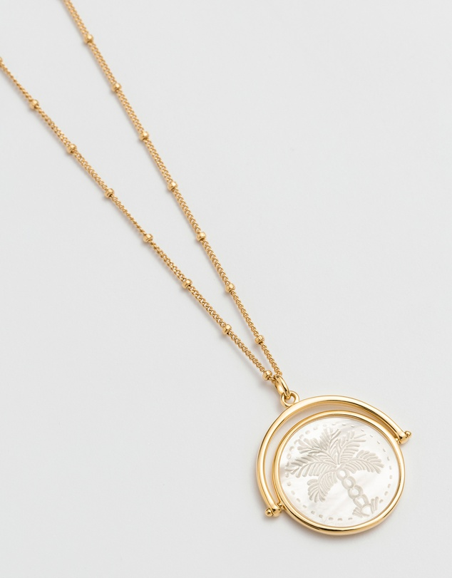 Women Island Palm Spinner Necklace