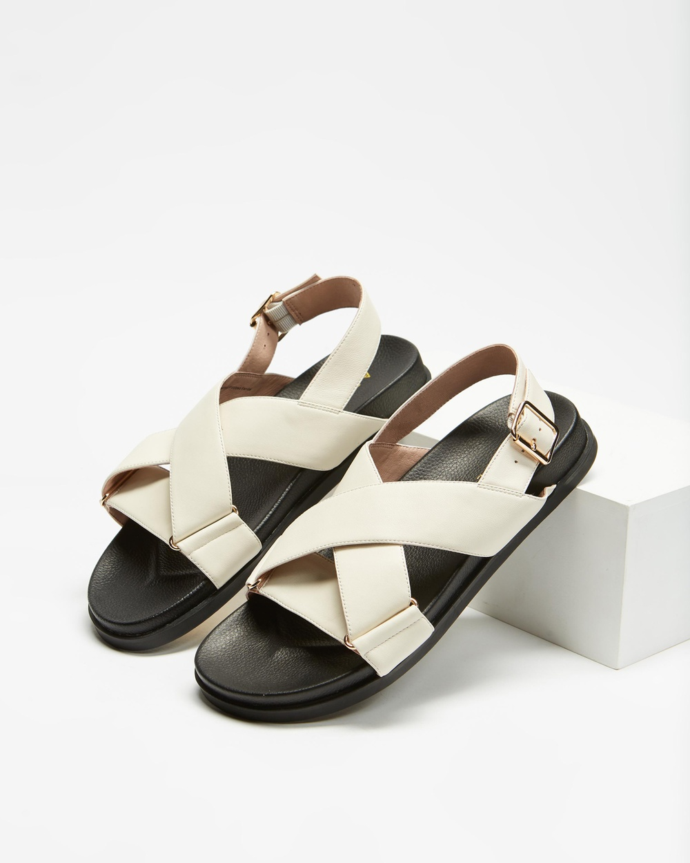AERE Crossover Leather Footbed Sandals Cream Leather