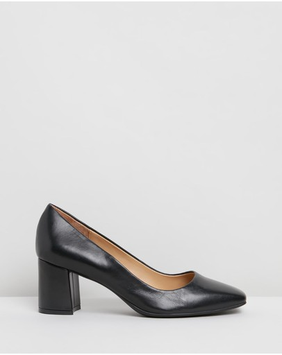 Naturalizer Willow Black