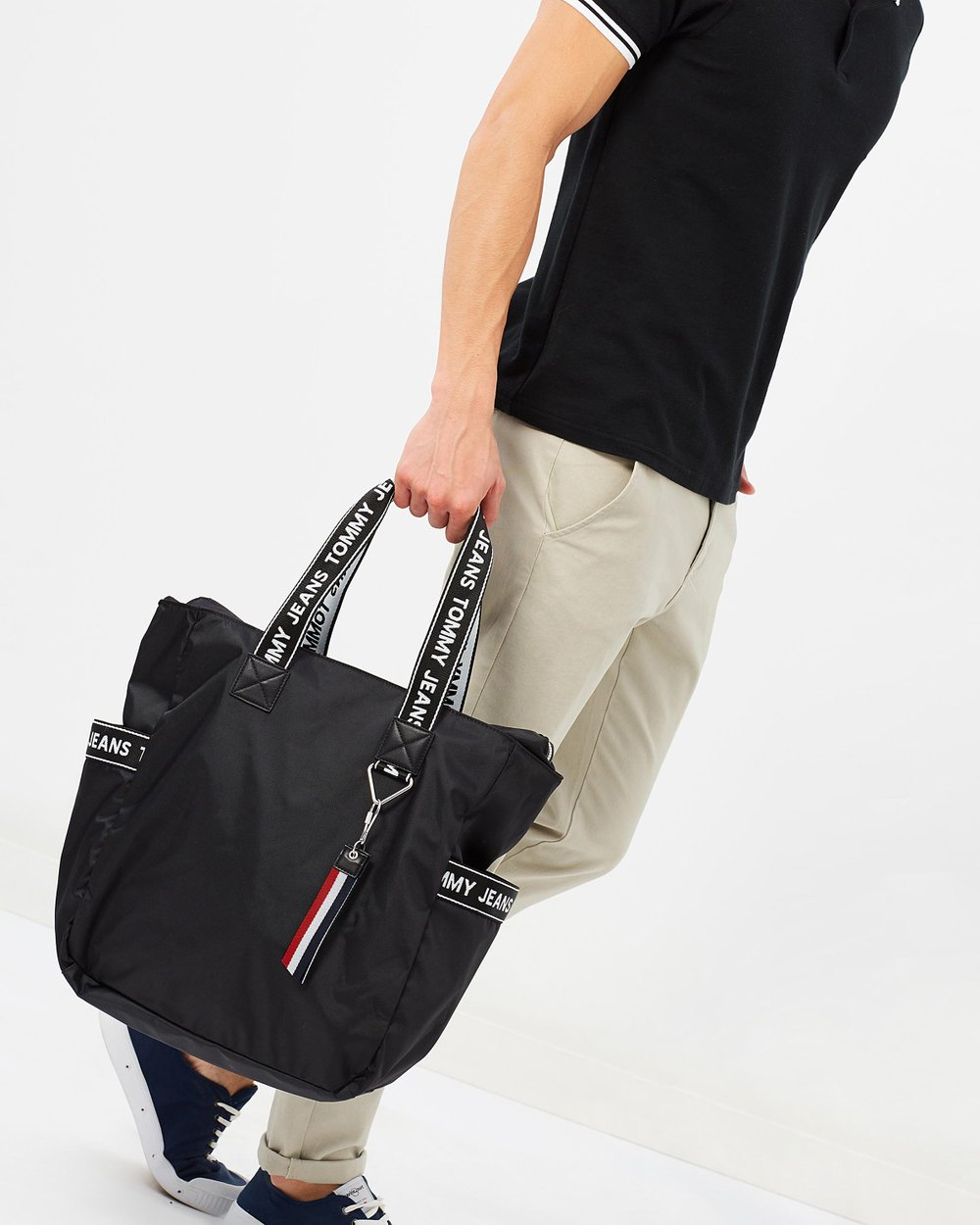 Tommy Jeans Logo Tote Bag By Online The Iconic Australia Tas Lacoste Zip Basic Special Colours