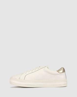Airflex Stunt Star Sneaker - Lifestyle Sneakers (White)