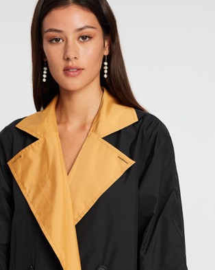 Grace Willow Nadine Reversible Trench Coat - Coats & Jackets (Inca Gold & Black)