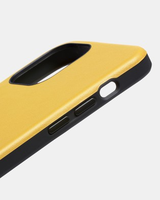 Bellroy Phone Case   0 card iPhone 12 Pro Max - Tech Accessories (yellow)