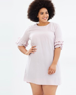 Atmos & Here Curvy – Mabel Frill Sleeve Dress Pink