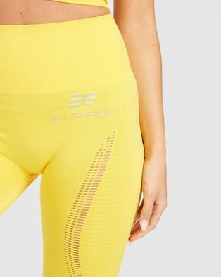 EN GARDE Apparel Run in Yellow Seamless Set - Sports Bras (Yellow)