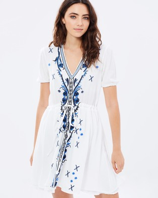 Atmos & Here – Mesmerize Embroidered Dress – Dresses (Off White)