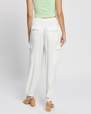 Glamorous Relaxed Cuffed Pants - Pants (White)