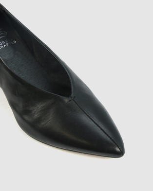 Eos - Hard Mid-low heels (black)