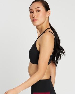 ASICS Piped Dream Crossback Bra   Women's - Sports Bras (Performance Black)