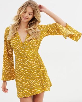 Atmos & Here – Kalia Shift Dress – Printed Dresses Mustard Yellow Spot